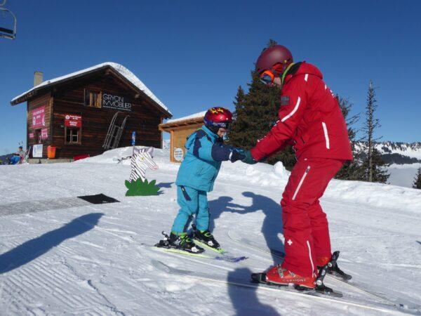 Maxime en cours privé au jardin de neiges de l'Ecole suisse de ski de Gryon